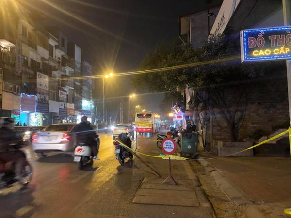 Vụ thai nhi bị vứt cạnh thùng rác ở Hà Nội: Người dân thấy có người đốt vàng mã rồi bỏ đi