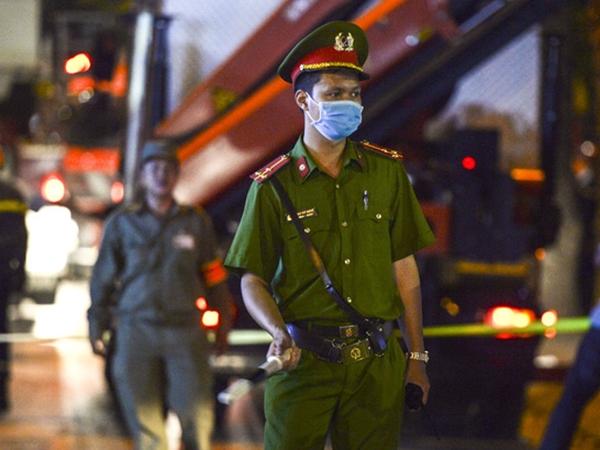 Xác định danh tính 4 nạn nhân tử vong trong vụ gãy thang treo lắp kính trên phố Nguyễn Công Trứ