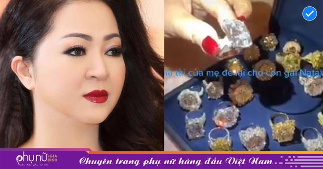 Sau 1 đêm, bà Phương Hằng âm thầm xóa status bí ẩn 'giải thể công ty', bất ngờ lập kênh TikTok khoe gia tài 'kim cương hột mít'
