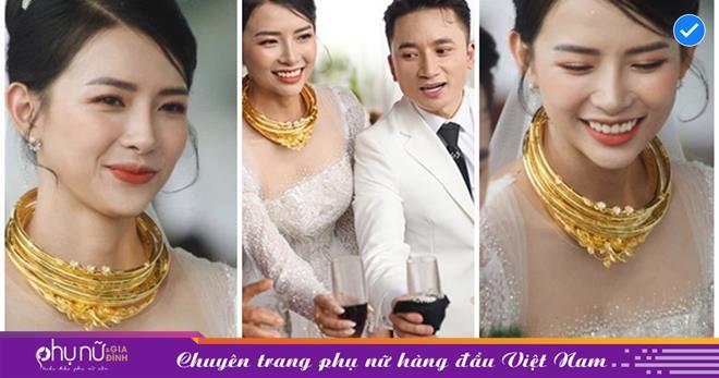 Đám cưới Phan Mạnh Quỳnh: Cô dâu đeo vòng vàng phủ kín cổ, tiệc 700 khách 'náo động' một vùng quê