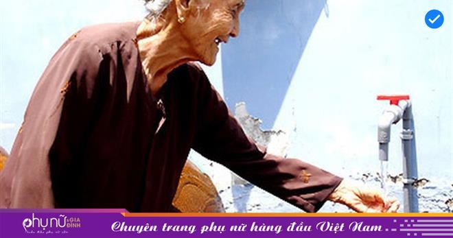 Phó thủ tướng Lê Minh Khái yêu cầu khẩn trương xem xét giảm giá nước sạch cho người dân chịu ảnh hưởng bởi Covid-19