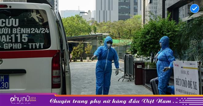 Hà Nội: Thai phụ mắc COVID-19 ở chung cư The Legacy được lực lượng chức năng đưa tới khu cách ly, điều trị
