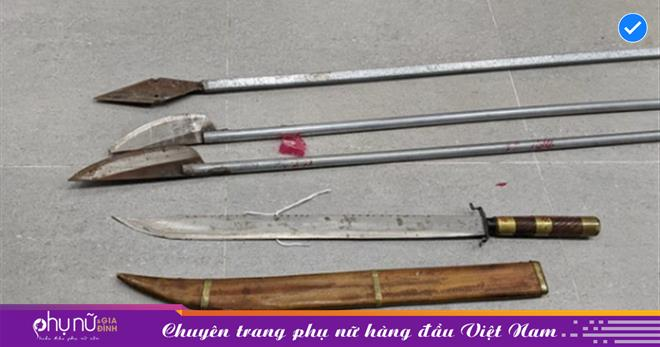 Hà Nội: Đang chở bạn gái đi chơi, nam thanh niên bị nhóm 17 côn đồ chém nhầm tử vong