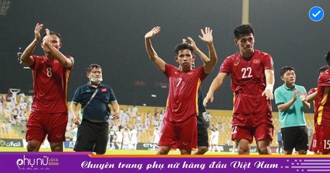 Nhà cầm quân UAE nói về tuyển Việt Nam: 'Tôi vẫn hơi tức vì họ chơi quá hay. Đội tuyển này có tương lai đó'