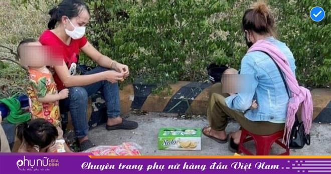 """Nhầm tưởng xe trung chuyển chở về quê, 2 người đàn ông """"bỏ quên"""" vợ con ở Thừa Thiên Huế"""