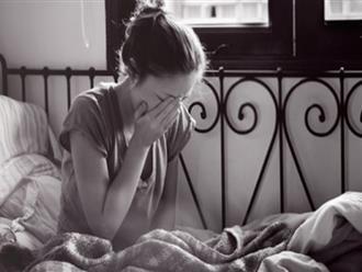 Bi kịch chồng khóc ướt hết áo sau khi đặt tay lên bụng vợ