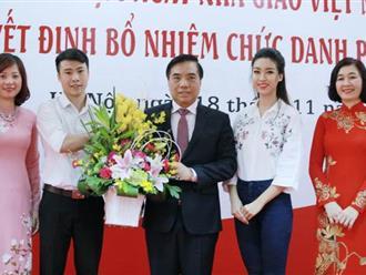 Hoa hậu Đỗ Mỹ Linh không được ưu ái khi đi học