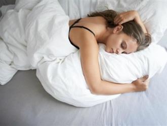 Lý do phái đẹp nên 'thả rông' ngực khi ngủ