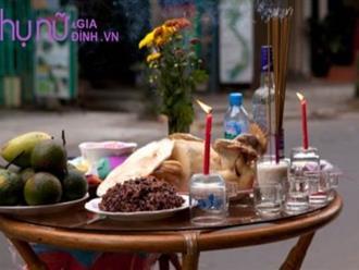 Đặt gà cúng trên bàn thờ sao cho đúng để năm mới gia đình yên ổn, tiền bạc đầy nhà