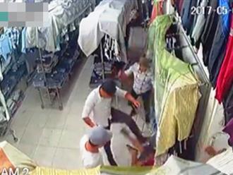 Bắt khẩn cấp 3 đối tượng truy sát, chém người trong cửa hàng quần áo