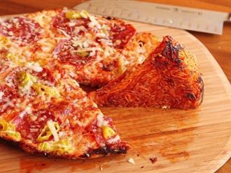 Đừng làm mì úp nữa, giờ phải làm pizza mì mới lạ và ngon