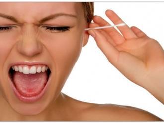 Tại sao không nên ngoáy tai bằng tăm bông?