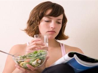 Ăn cơm kiểu này sẽ ảnh hưởng nghiêm trọng đến hệ tiêu hóa và sức khỏe