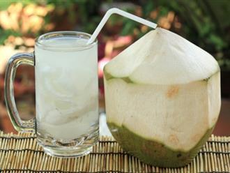 Đây là nguyên nhân mà dù đắt hay rẻ bạn cũng nên mua nước dừa uống