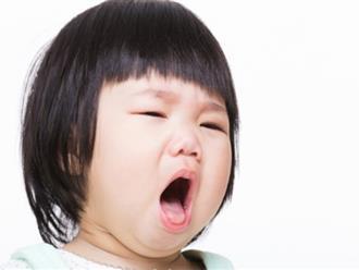 Trẻ bị viêm họng nên và không nên ăn những món ngon nào?
