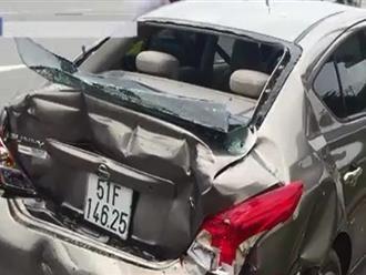 """""""Xế hộp"""" bể nát trong vụ tai nạn liên hoàn tại quận Thủ Đức"""