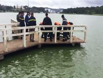 Du khách tá hỏa phát hiện xác chết trên hồ Xuân Hương