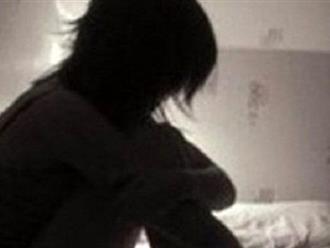 Nghi án bé gái 11 tuổi bị anh của mẹ kế xâm hại