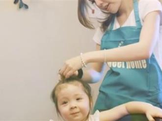 Cadie tập tành lột trứng cút phụ giúp mẹ Elly Trần