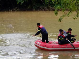 Lật xuồng ở Lâm Đồng làm 1 người chết, 4 mất tích