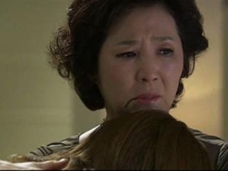 Ngay trong đêm tân hôn, con dâu ôm mẹ chồng khóc nức nở