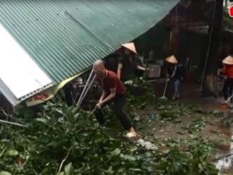 Nghệ An: 1 người chết, hơn 2750 nhà tốc mái do bão số 2
