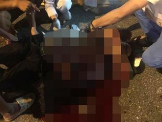 Hà Nội: Nam thanh niên bị 2 đối tượng chém gục trên vũng máu trong đêm