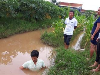 Hà Nội: Bé trai tử vong bất thường trong rãnh nước, trên người có vết thâm tím