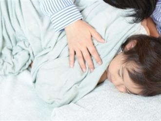 '5 phút thủ thỉ, cái ôm 8 giây': Phương pháp dạy con ngoan của mẹ Nhật