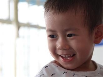 Bé trai 2 tuổi bị bỏ rơi trước cổng Từ Dũ: Con nhớ mẹ lắm, con muốn về với mẹ