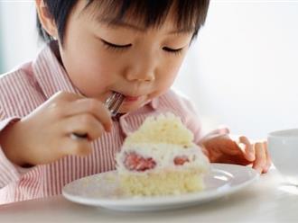 """Bé ăn nhưng không tăng cân: Cần """"soi"""" thêm 4 yếu tố khác"""