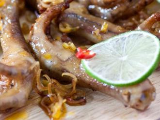 Đừng ăn chân gà nướng sa tế lỗi thời nữa, chân gà nướng sả chanh mới là đúng mốt