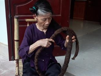 """Kỳ lạ cụ bà sở hữu """"bộ tóc rồng"""" dài gần 3m"""