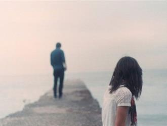"""Bạn trai chấm dứt mối tình một năm chỉ vì cô gái mắc """"bệnh khó nói"""" khi ngủ"""