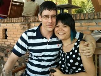 Vợ Việt kể về 5 năm chung sống với chồng Đức: Ngày làm 15 tiếng, ăn cơm trứng luộc chấm mắm