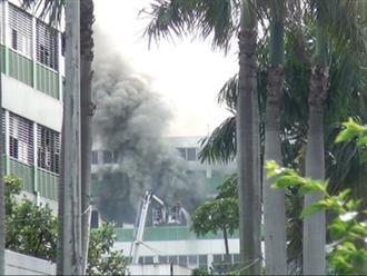 Cháy lớn khu nhà ăn của công ty Pouyuen tại TP.HCM