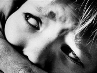 """Bắt """"yêu râu xanh"""" hiếp dâm bé 9 tuổi, cướp 20.000 đồng"""