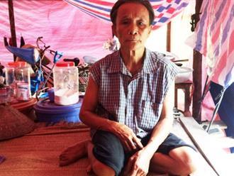Xót xa cảnh người vợ lẽ cùng con gái, cháu ngoại sống trong túp lều không điện, nước 24 năm