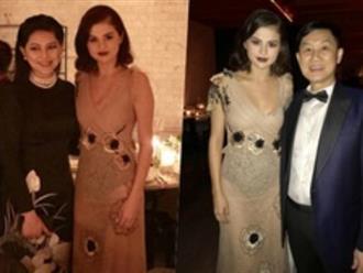 """Bố mẹ chồng Tăng Thanh Hà dự tiệc thời trang """"chuẩn siêu sao"""" cùng Selena Gomez"""
