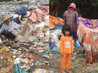 Câu chuyện bên bãi rác: Người phụ nữ ly hôn chồng bới rác nuôi con, em bé 18 tháng tuổi bị bỏ rơi được cha mẹ nuôi cho sống cùng rác