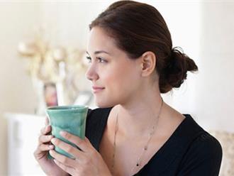 Khỏi bệnh, đẹp da nhờ… uống nước ấm