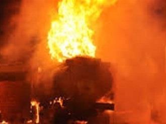 Gã xe ôm một đêm châm lửa đốt 2 cây xăng