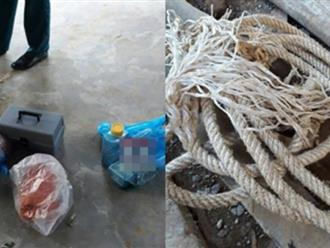 Mẹ ép 2 con thắt cổ, uống thuốc diệt cỏ vì mất 7.000 đồng: Rợn người với lời kể của cậu con trai