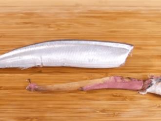 Mẹo lấy ruột cá không cần mổ bụng chỉ với 3 thao tác đơn giản