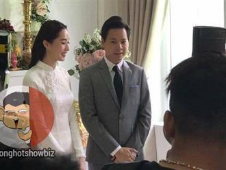 Hoa hậu Đặng Thu Thảo rạng rỡ bên doanh nhân Trung Tín trong đám hỏi bí mật tổ chức tại nhà riêng
