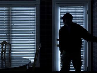 4 tên trộm cưỡng hiếp nữ chủ nhà suốt 8 tiếng đồng hồ và ra tay sát hại nạn nhân vì hình cưới quá xinh đẹp