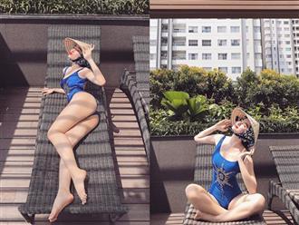 """Angela Phương Trinh """"chơi trội"""" khi diện bikini nóng bỏng, đội nón lá"""