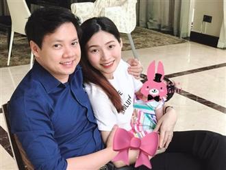 Hoa hậu Đặng Thu Thảo lần đâu tiên khoe hình ảnh con gái hơn 2 tháng tuổi