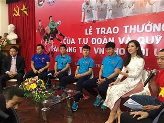 Hoa hậu Đỗ Mỹ Linh lần đầu lên tiếng sau khi âm thầm xuất hiện ở Thường Châu để cổ vũ cho U23 Việt Nam