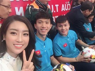 Hoa hậu Mỹ Linh đăng ảnh bên Văn Hậu - Quang Hải và hỏi: 'Ai xinh nhất'